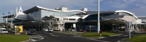 Auckland_airport_international_terminal